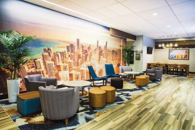 Hotel La Quinta Chicago lobby